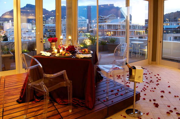 Romantic dinner at Cape Grace Hotel in Cape Town.
