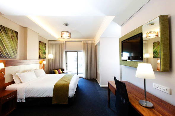 DoubleTree by Hilton Cape Town Upper Eastside offers lovely accommodation.