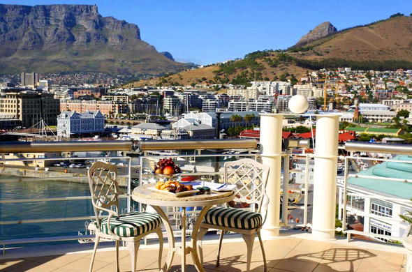 View of Table Mountain and the V&A Waterfront.
