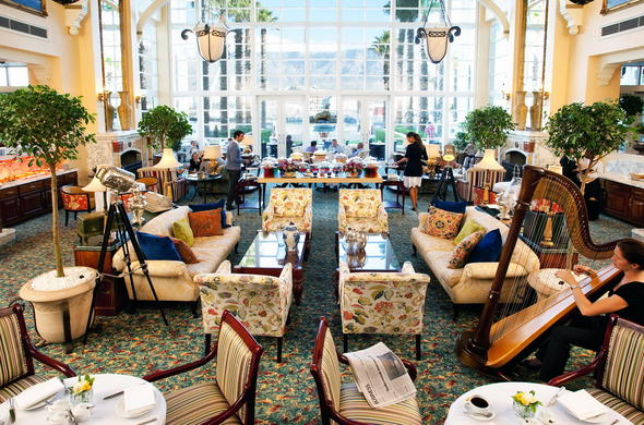Elegant Lounge Area Serves High Tea At The Table Bay Hotel V A Waterfront