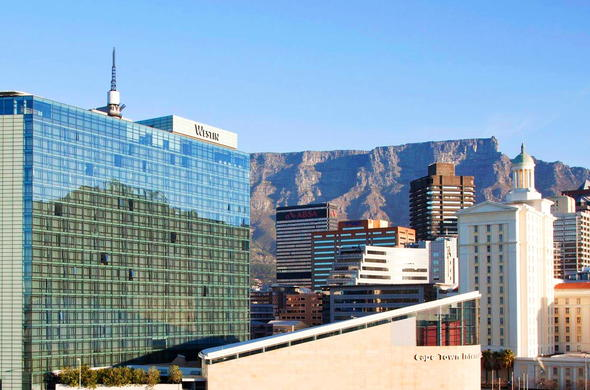 The fantastic glass façade allows clear views of Cape Town.